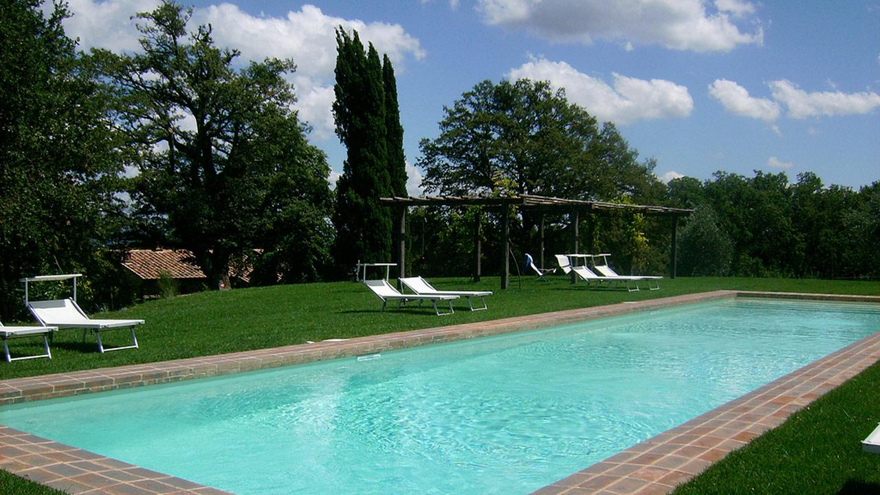 Agriturismo di lusso con piscina casa fabbrini val d for Piscina 4 x 2